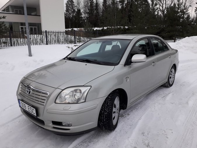 TOYOTA AVENSIS  EXECUTIVE 2.0 D4D 09.2003 TURBODIISEL 85 kW