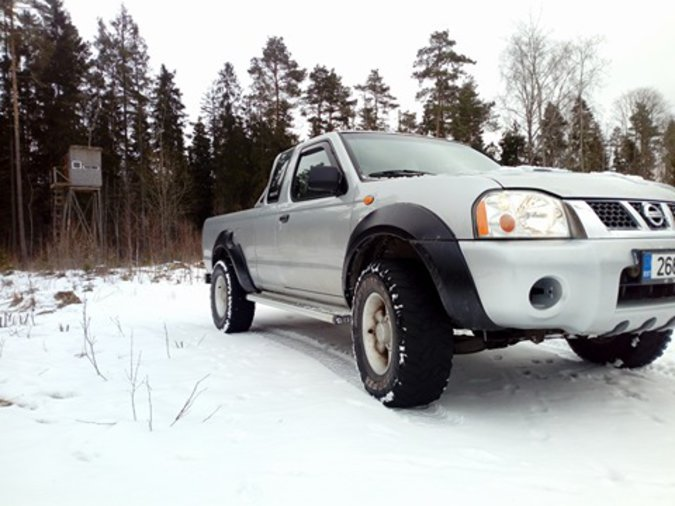 NISSAN PICK-UP 2.5 98 kW