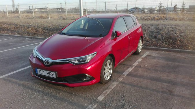 TOYOTA AURIS TOYOTA AURIS ACTIVE PLUS 1.6 87 kW -16