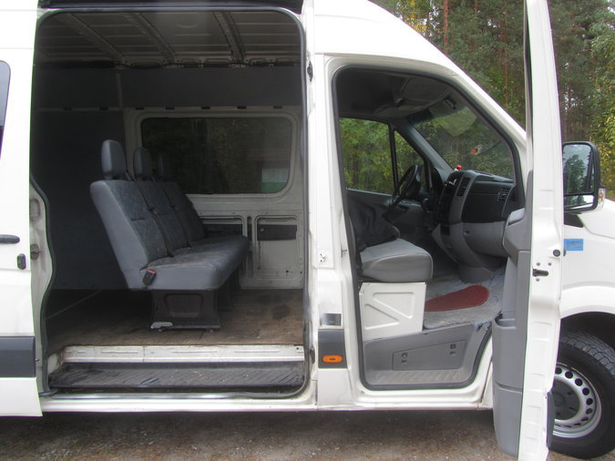 VW CRAFTER 6 KOHTA MAXI 2.5 100 kW -06