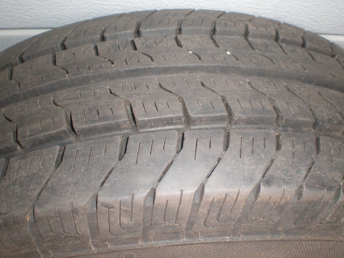 195/70 R 15 C. 4 TK .GISLAVED SPEED C.. 7 MM.