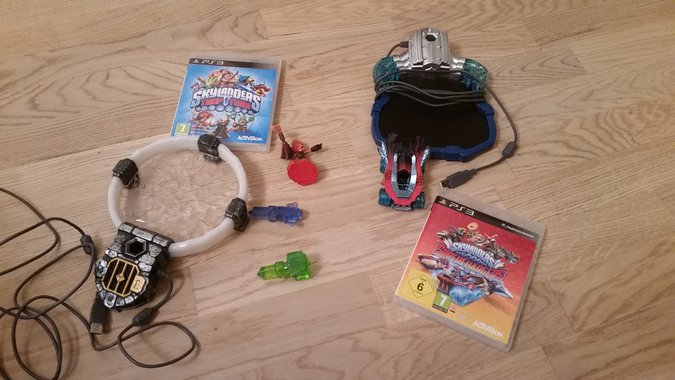 2SETS PS3 SKYLANDERS SUPER CHARGERS +TRAP TEAM PLAYSTATION 3