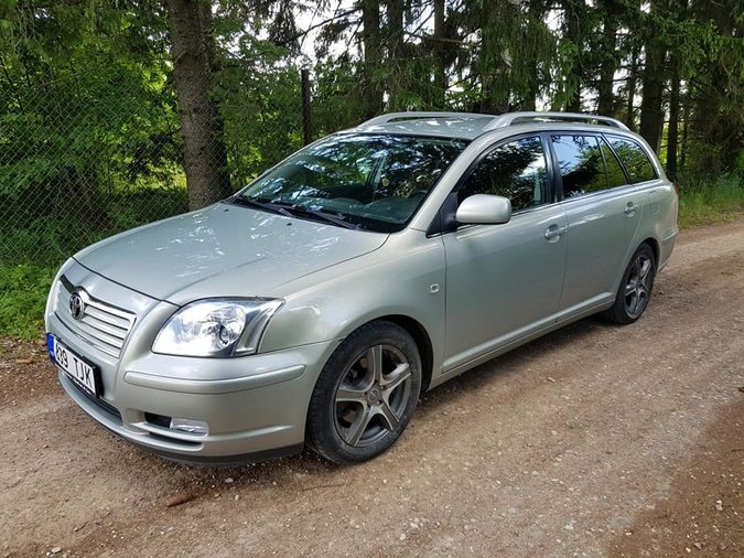 TOYOTA AVENSIS 2.2 DIISEL 110 kW -05