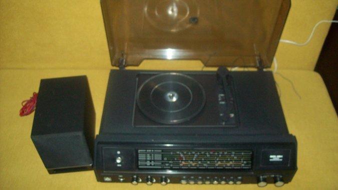 95fb195621a FM-I SAGEDUSTEGA RETRO RADIOOLA