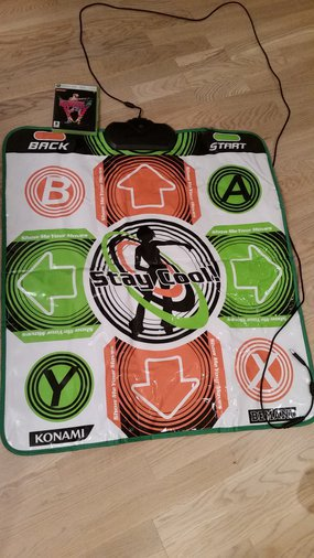 XBOX360 DANCING STAGE UNIVERSE + DANCE MAT XBOX 360
