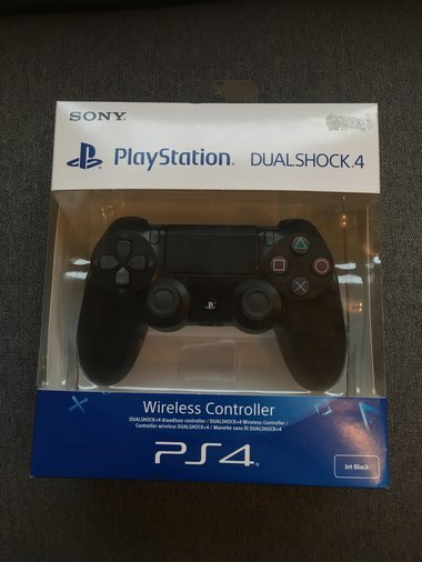 PLAYSTATION 4 PULT