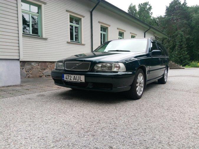 e4562c31ea6 VOLVO V70 106 kW -97