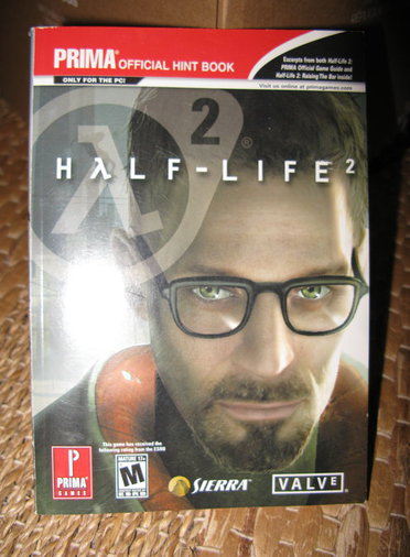 HALF-LIFE 2 PRIMA OFFICIAL HINT BOOK