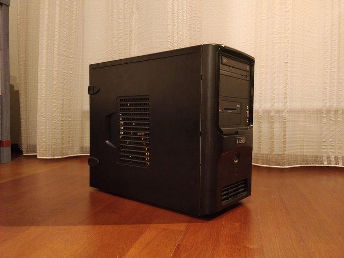 0321bee270b MÜÜA KIIRE JA HOOLDATUD LAUAARVUTI UUE SSD-GA, MONITORI JA HIIREGA