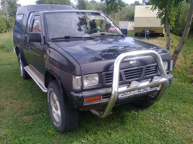 NISSAN PICK-UP 59 kW -96
