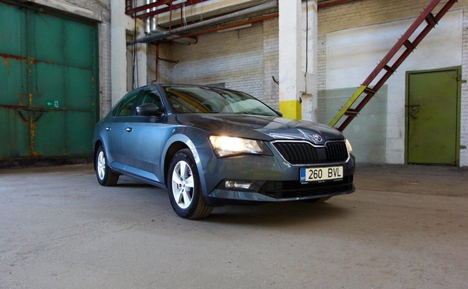 SKODA SUPERB ACTIVE -17