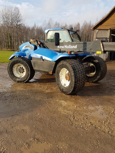NEW HOLLAND TELESKOPLAADUR