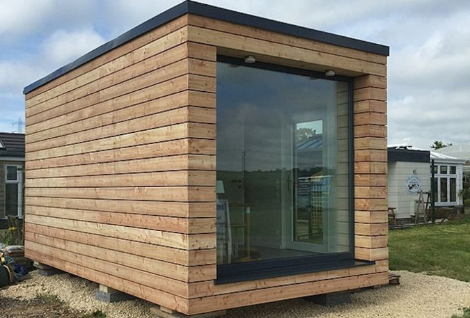 MICRO HOUSE - OFFICE IN GARDEN WITH ELECTRICALLY HEATED WINDOWS