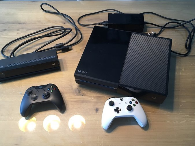 82d02c4858f XBOX ONE 500GB + KINECT + 2 PULTI