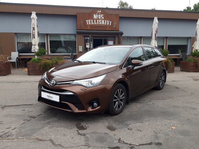 TOYOTA AVENSIS 2016 UNIVERSAAL AUTOMAAT