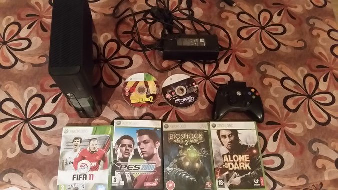 XBOX360 SLIM S 120GB + 6GAMES XBOX 360