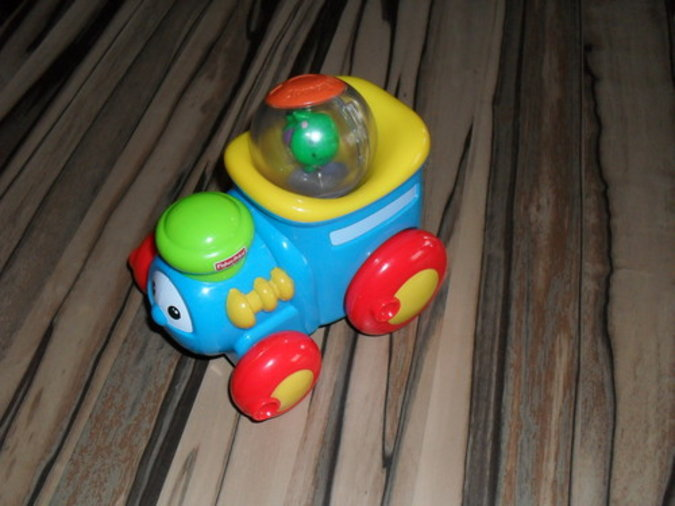 FISHER PRICE MÄNGUASI