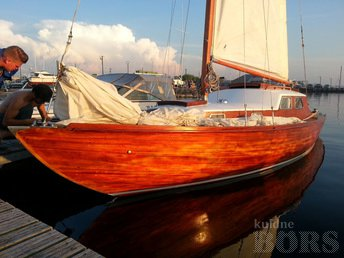 FULLY RESTORED 1964 SAILBOAT