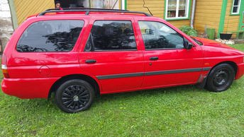 FORD ESCORT 1.391 54 kW