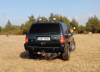 JEEP GRAND CHEROKEE ZJ 5.2 V8 158 kW -95