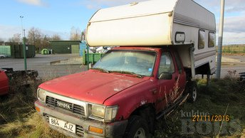TOYOTA HILUX PICK UP CAMPER 2.4 51 kW -89