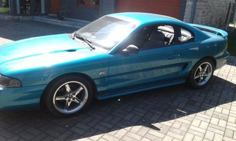 FORD MUSTANG -94
