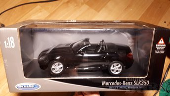 WELLY 1:18 MERCEDES -BENZ SLK 350