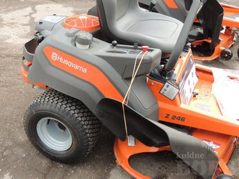 2018 HUSQVARNA ZERO TURN MOWER